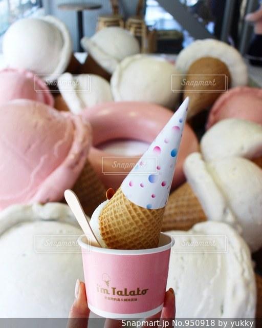 話題のアイスクリームカフェの写真・画像素材[950918]