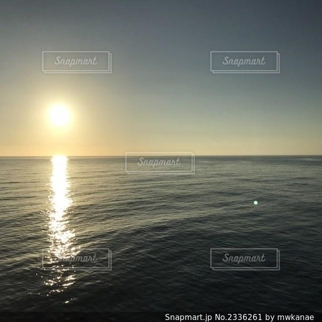 海の隣の水域の写真・画像素材[2336261]
