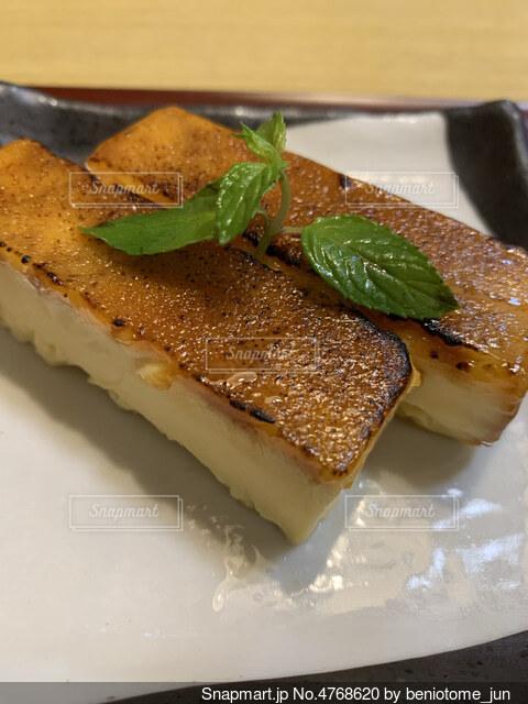 チーズひんやりチーズプリンの写真・画像素材[4768620]
