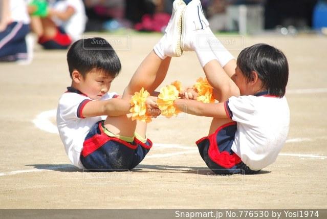 幼稚園最後の運動会 組立体操の写真・画像素材[776530]