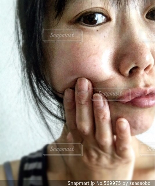女性の写真・画像素材[569975]