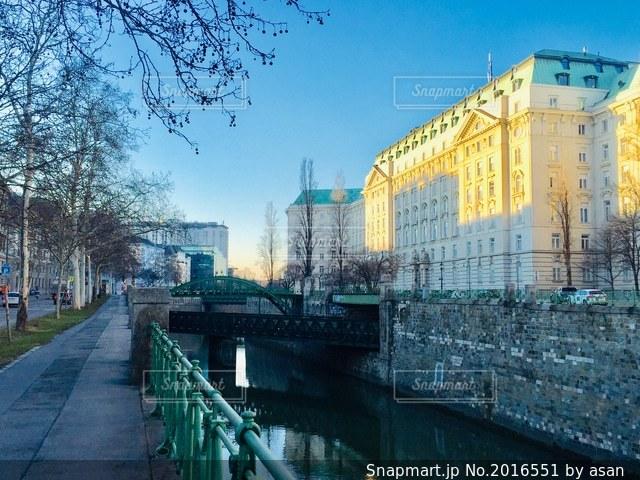 青空に広がるオーストリア ウィーンの街並み🇦🇹の写真・画像素材[2016551]