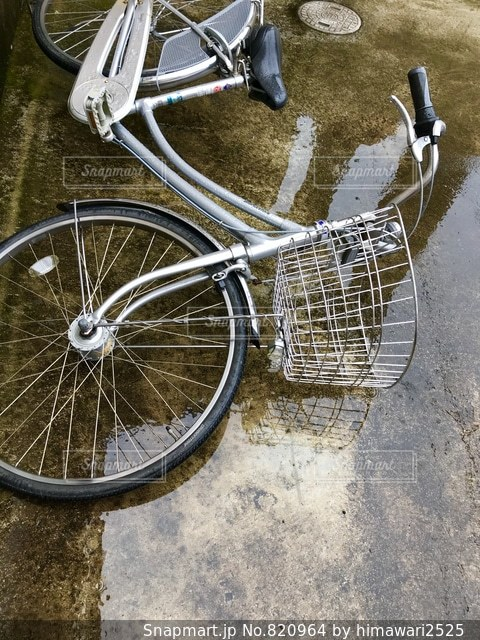 台風で倒れた自転車😖☔➰🌀の写真・画像素材[820964]