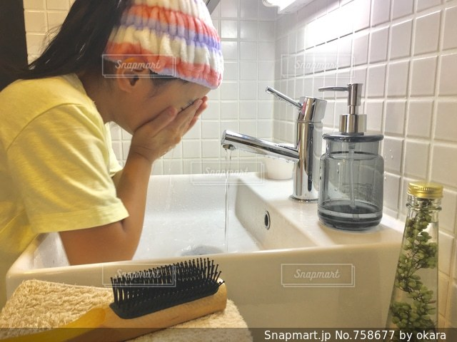 洗顔の写真・画像素材[758677]