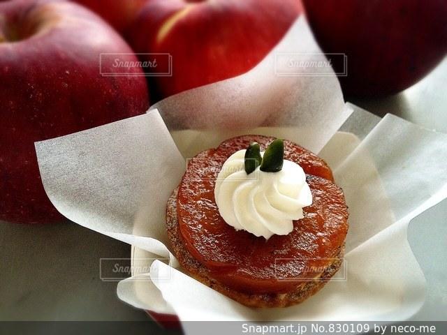 タルトタタン風りんごとカスタードクリームのパイ - No.830109