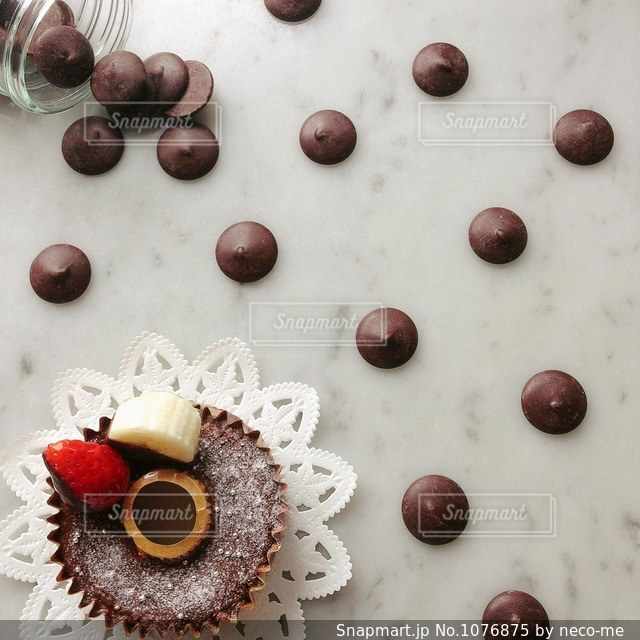 チョコレートとケーキの写真・画像素材[1076875]