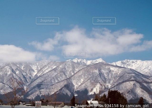 雪の覆われた山々 の景色の写真・画像素材[934158]