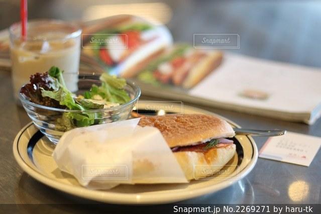 パンとエスプレッソとの写真・画像素材[2269271]