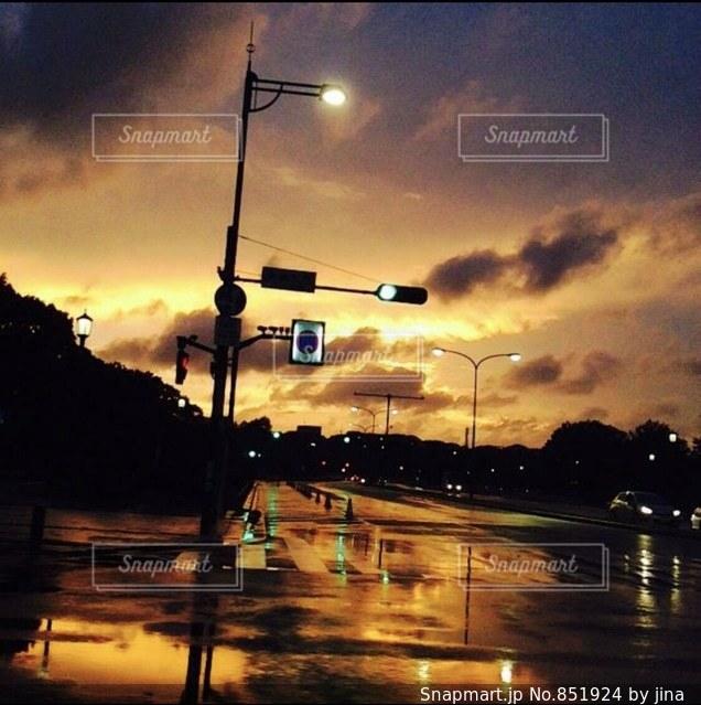 街の通りに信号機の写真・画像素材[851924]