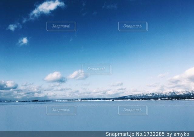 青空と雪景色の写真・画像素材[1732285]