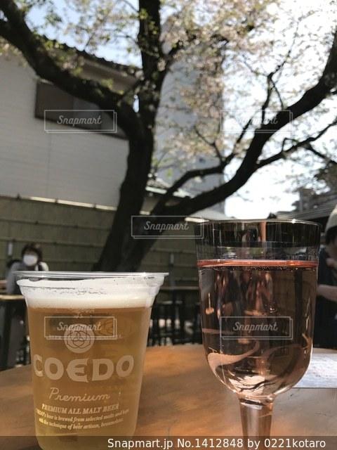 ワインのガラスの写真・画像素材[1412848]