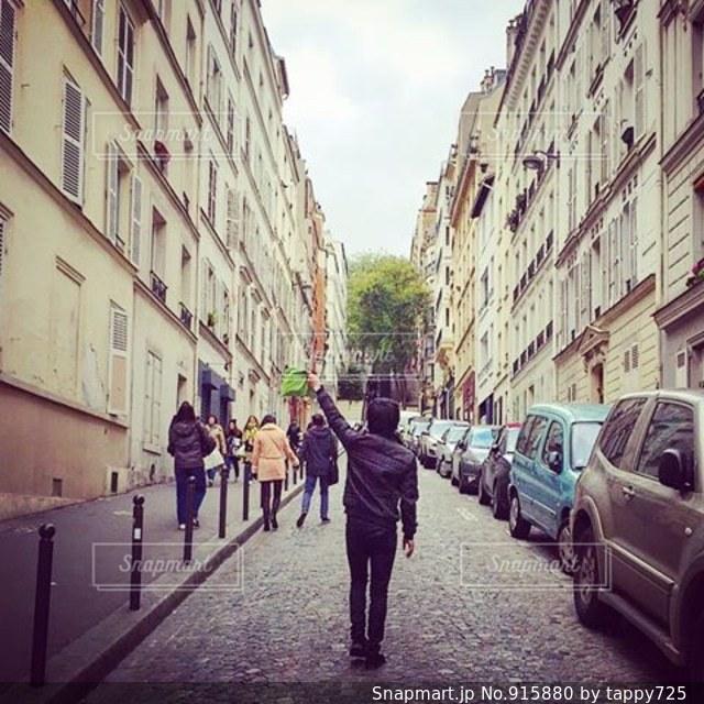 パリらしい街の通り。 - No.915880
