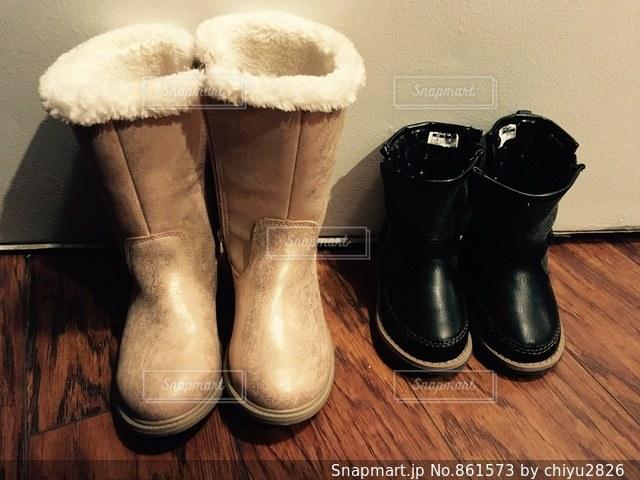靴のペアの写真・画像素材[861573]
