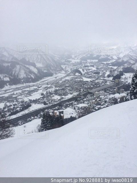 雪の覆われた山々 の景色の写真・画像素材[928881]