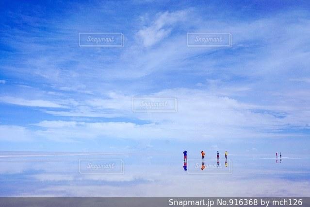 ウユニ塩湖の写真・画像素材[916368]
