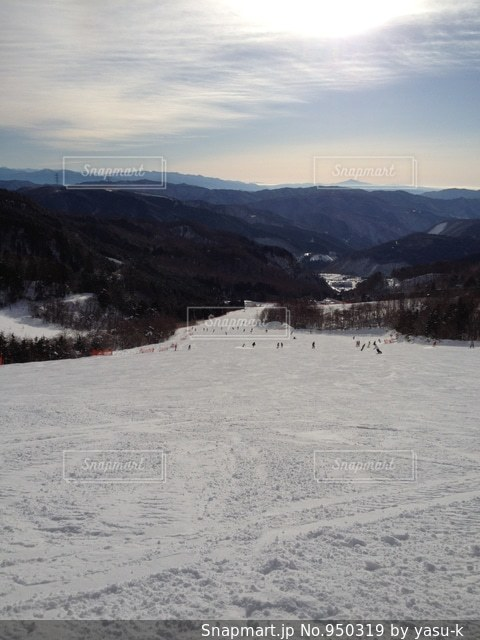 雪に覆われた山 - No.950319