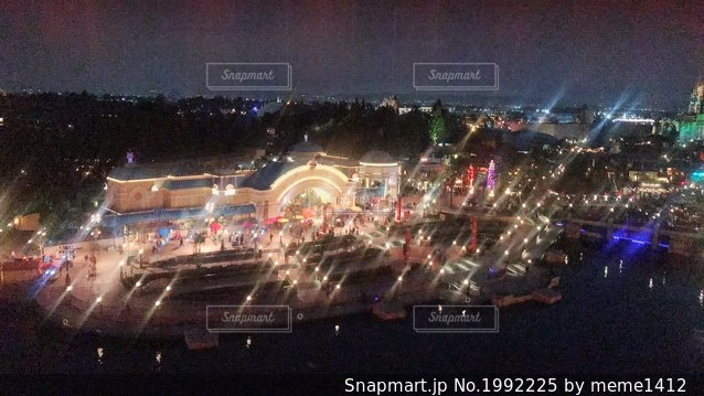カリフォルニアディズニー観覧車からの夜景の写真・画像素材[1992225]