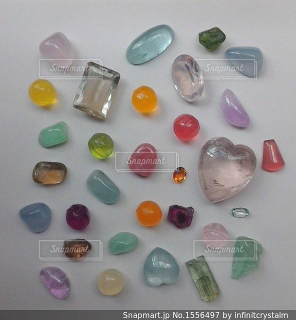 石とキャンディーの写真・画像素材[1556497]