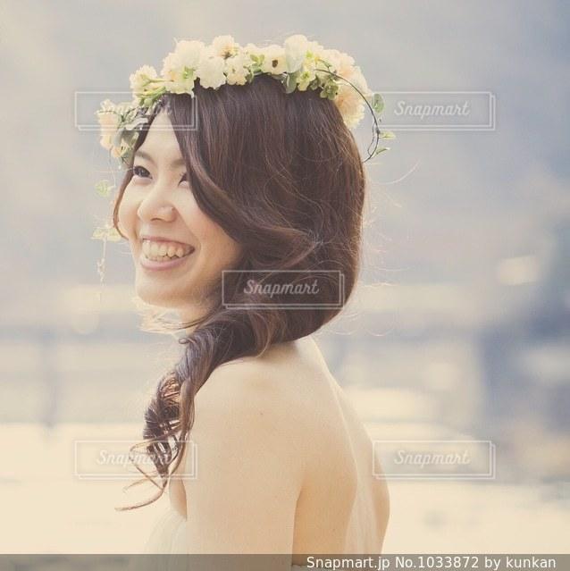 画像のポーズは女の写真・画像素材[1033872]