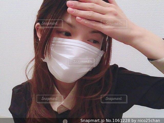 マスクをした女性の写真・画像素材[1061228]