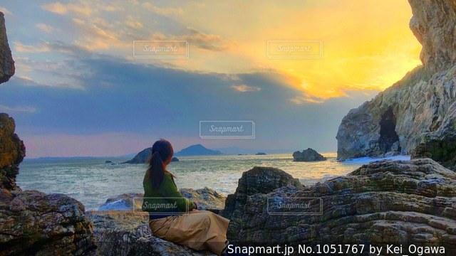 絶景の夕日の写真・画像素材[1051767]