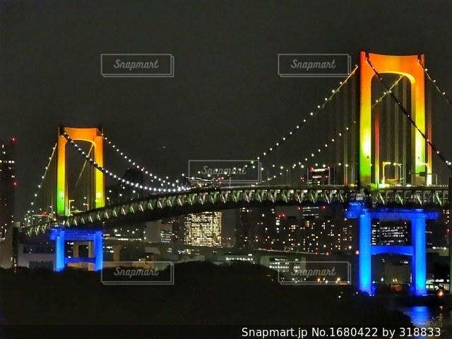 夜のレインボーブリッジの写真・画像素材[1680422]