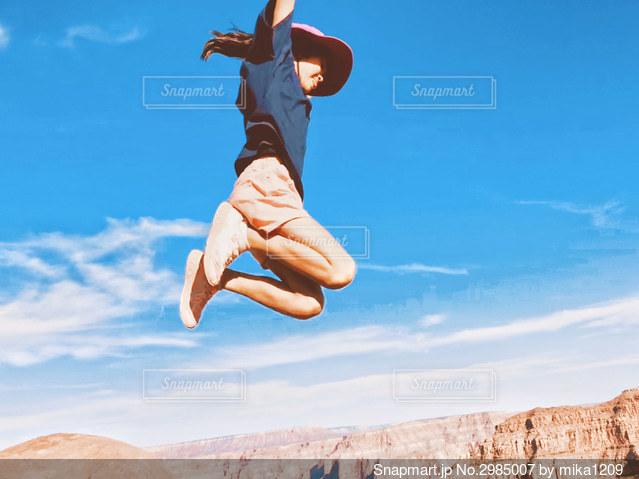 グランドキャニオンでジャンプ 2の写真・画像素材[2985007]