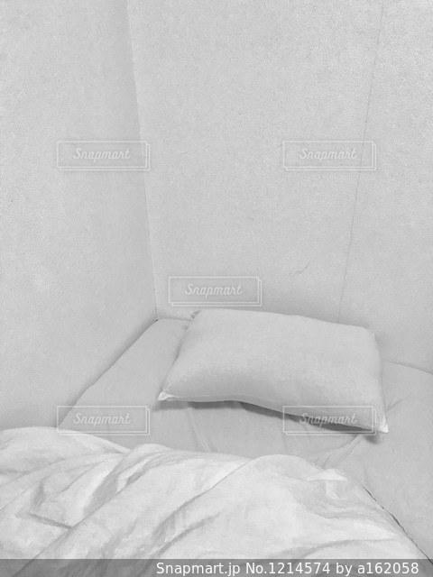 白いくつろぎタイムの写真・画像素材[1214574]