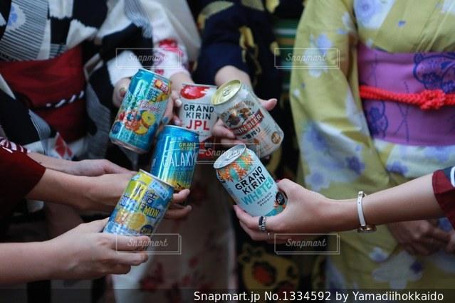 女子会×キリン×夏の写真・画像素材[1334592]