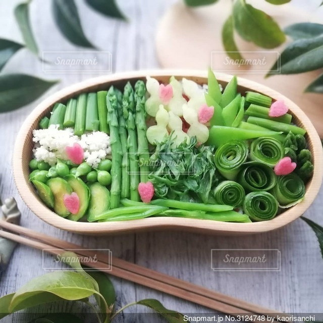 春のグリーンをたくさん使っての写真・画像素材[3124748]
