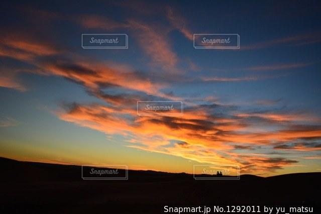 サハラ砂漠の夕焼けの写真・画像素材[1292011]