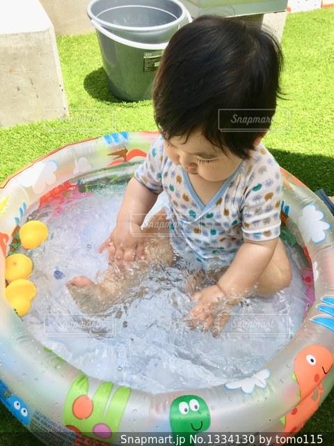 初めての水遊び!の写真・画像素材[1334130]
