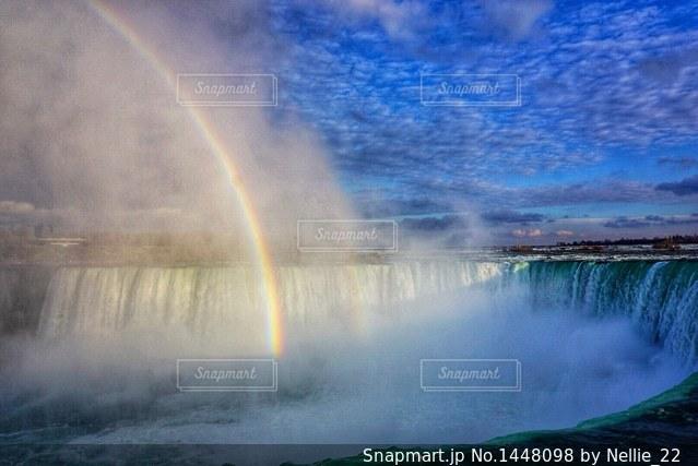 ナイアガラの滝と虹の写真・画像素材[1448098]
