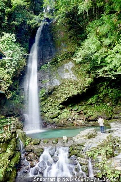 滝写真の写真・画像素材[1460947]