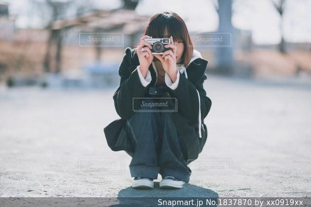 カメラ女子の写真・画像素材[1837870]