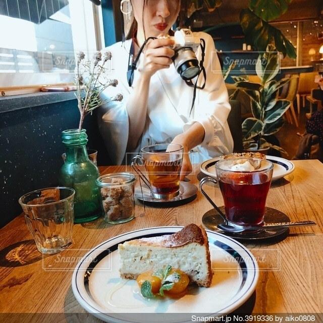 カフェでブランチの写真・画像素材[3919336]