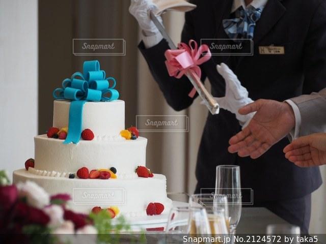 ウェディングケーキの写真・画像素材[2124572]