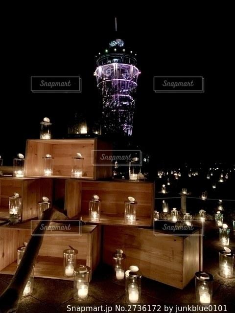 夜に時計が点灯するの写真・画像素材[2736172]