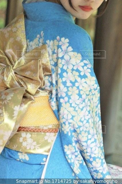 青い着物の写真・画像素材[1714725]