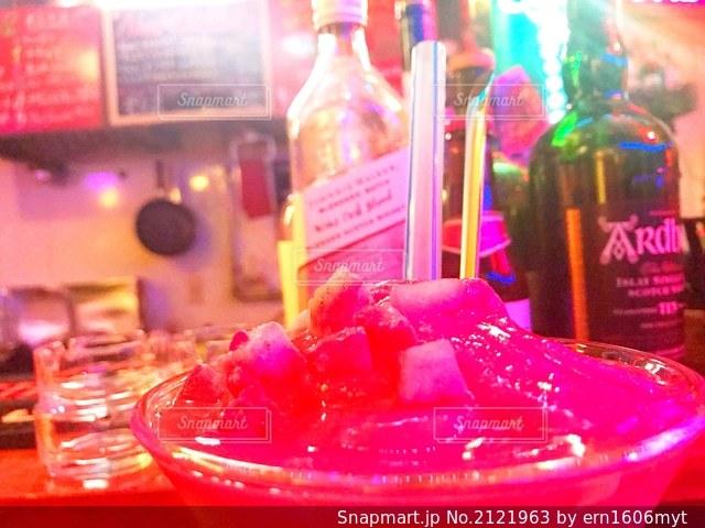 ボトルのクローズアップの写真・画像素材[2121963]
