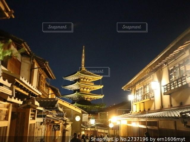 夜の街の眺めの写真・画像素材[2737196]