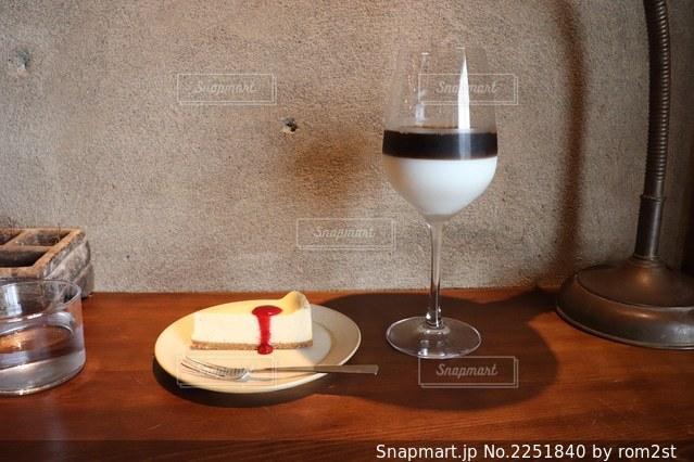 オレグラッセとチーズケーキの写真・画像素材[2251840]