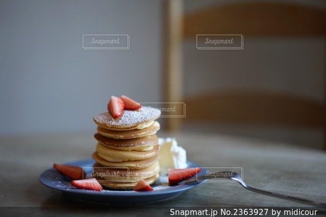 7段のパンケーキの写真・画像素材[2363927]