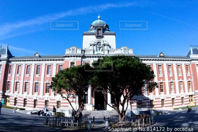 大きな白い建物の写真・画像素材[814172]