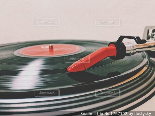 ターンテーブルとレコードの写真・画像素材[1767192]