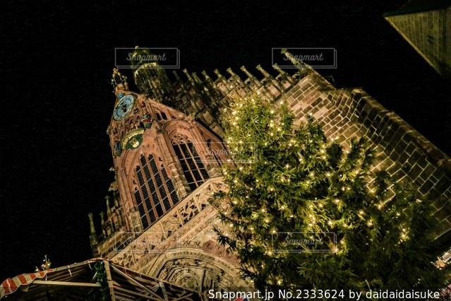 時計塔ライトアップの写真・画像素材[2333624]