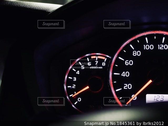 車のスピードメーターの写真・画像素材[1845361]