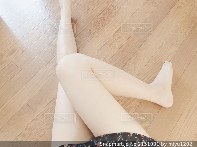 脚を自撮りの写真・画像素材[2151031]