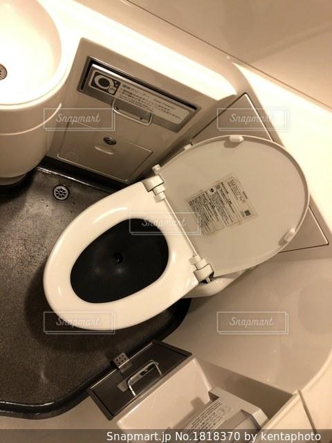 新幹線のトイレの写真・画像素材[1818370]
