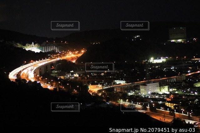 夜景と道の写真・画像素材[2079451]